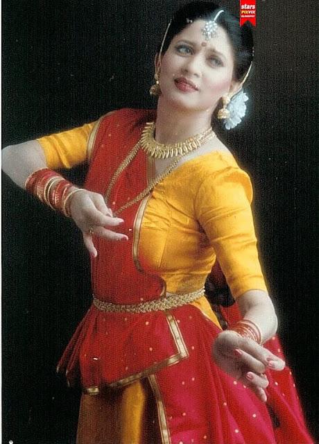 Deepika padukone sexy dance moves - 1 6