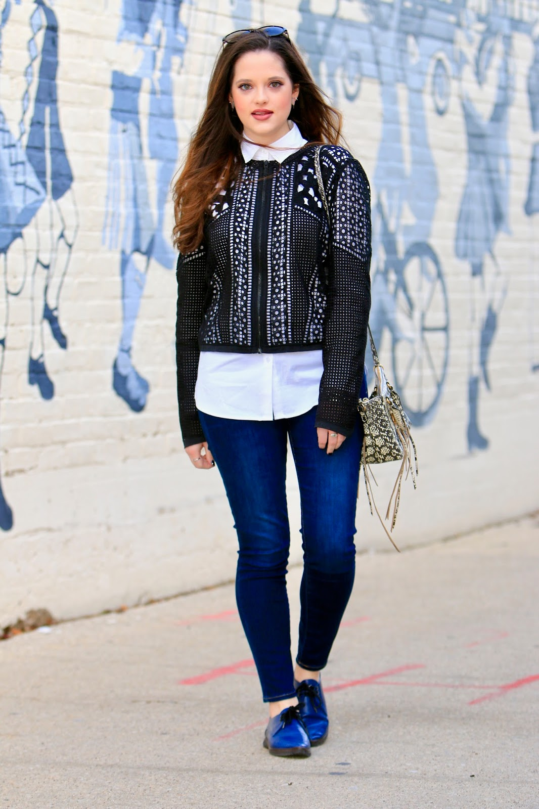 white button down fashion blogger