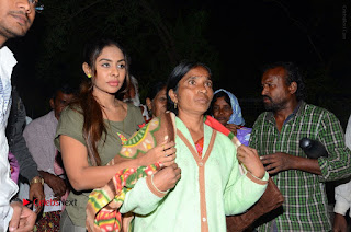 Actress Sri reddy (apthatrust director) Distrubuted Blankets for Orphans at Sai Baba Temple  0050.JPG