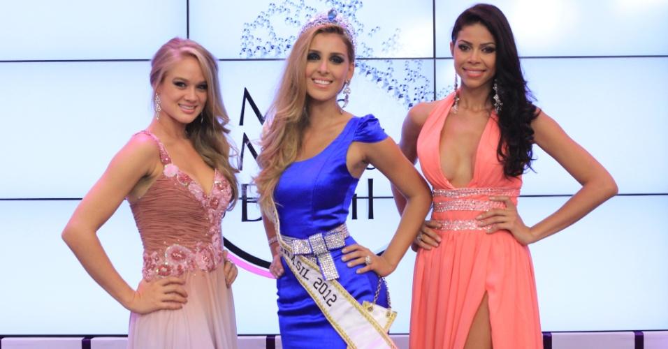 Karine Barros (PE), Mariana Notorângelo (Miss Mundo Brasil 2012) e Camila Serakides (TO)
