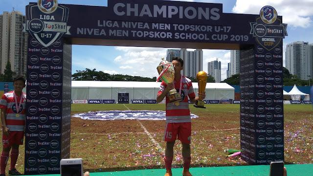 Selebrasi kemenangan usai final Liga NIVEA MEN Top Skor U17 dan Cup 2019 (dok.windhu)