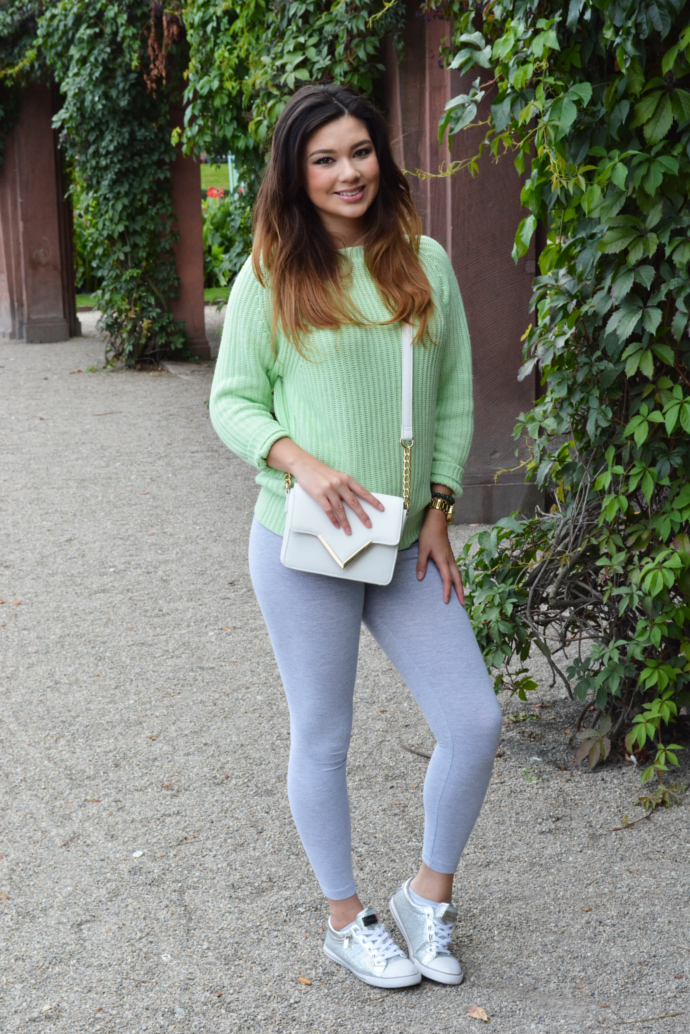 Primark Green Knit Sweater, American Apparel Leggings, Primark Bag, Guess sneakers, Mannheim Shopping Mall, Fall outfits