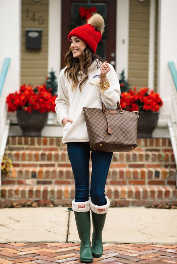 Top 7 Must Copy Outfits For This Christmas