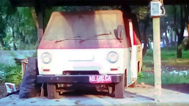 Datsun Sena minibus