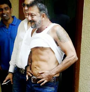 Sanjay Dutt after coming out from Yerwada Jail