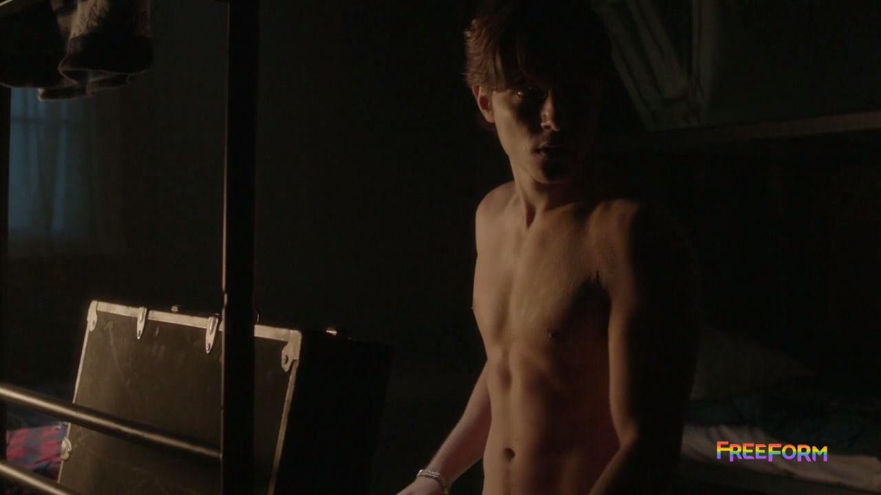 zachary gordon nude