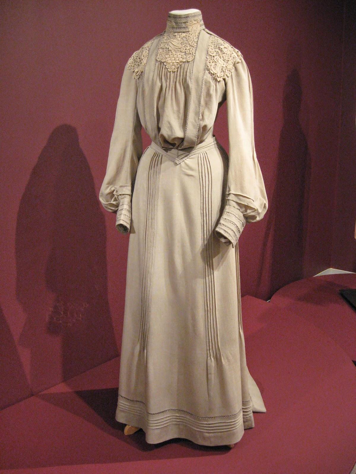 Kent State Museum Tan Wool Dress Trimmed In Irish Lace C American