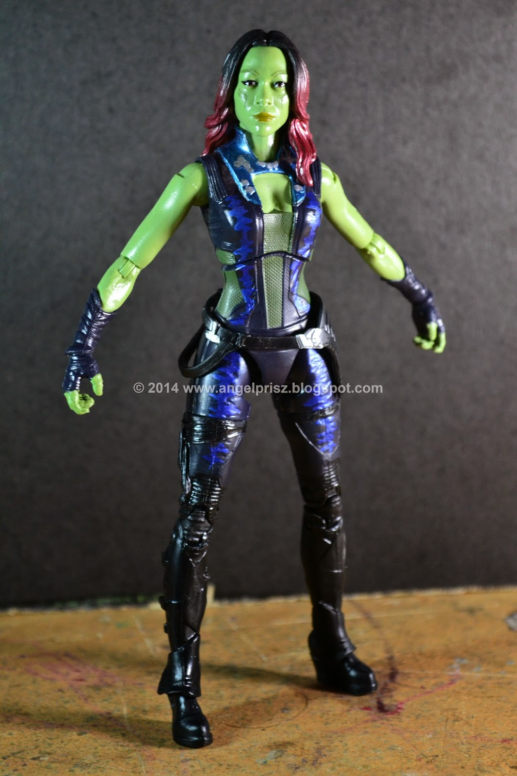 Why hasnt Gamora succumbed to Star-Lords charms in the
