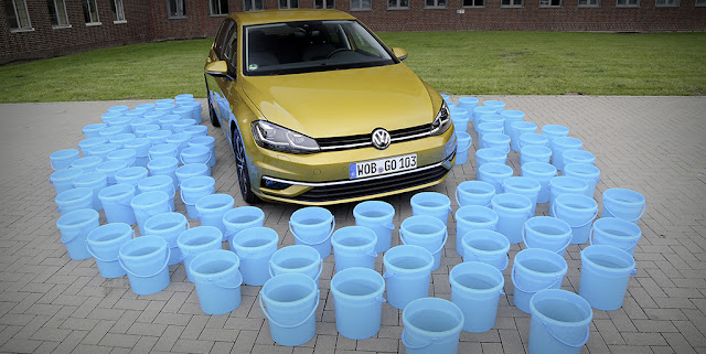Image Attribute: For the production of a Golf, precisely 1.14 m³ of water less than in 2010 are now used, that corresponds to a reduction of 27.5 percent. | DB2017AL00589 | Source: Volkswagen AG