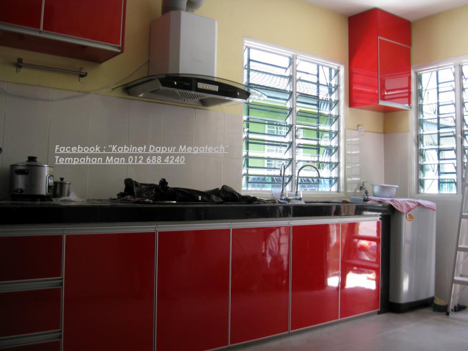 Contoh Mesin Basuh Di Hujung Kabinet Dekat Dengan Pintu Dapur