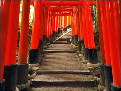 ศาลเจ้าฟูชิมิอินาริ (Fushimi Inari Shrine)