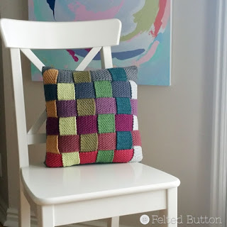 Crisscross Catona Cushion FREE Crochet Pattern by Susan Carlson of Felted Button