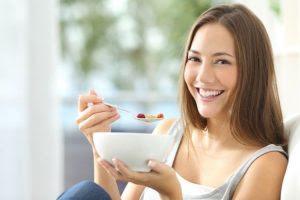 Mengapa Kita Disarankan Mengunyah Makanan Dengan Pelan ?