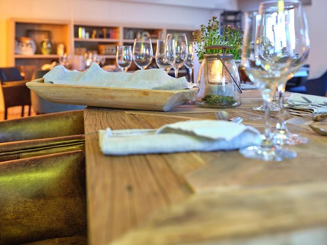 Dinner im Tagungsraum KARO im 4Eck Restaurant Garmisch-Partenkirchen für Events, Geburtstage, Hochzeiten, Seminare, Schulungen, kreativer ArbeitsRaum Original 4Eck, Fotos Marc Gilsdorf