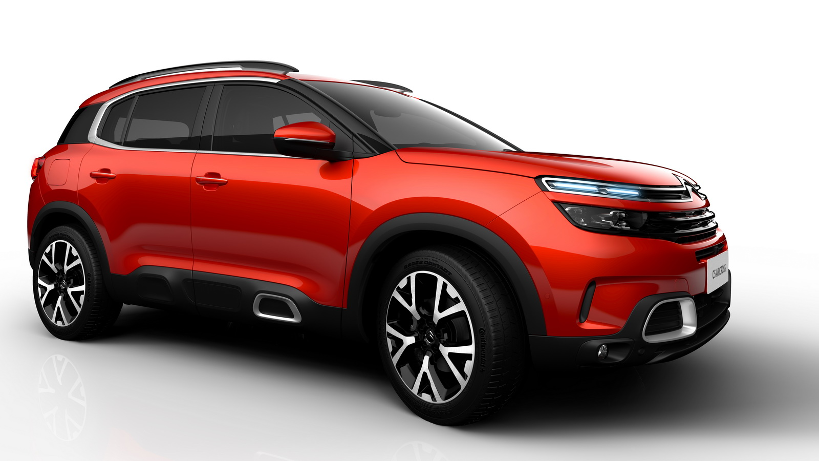 2018 citroen c5 aircross officially revealed gets innovative hydraulic suspension carscoops. Black Bedroom Furniture Sets. Home Design Ideas