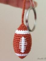 https://translate.googleusercontent.com/translate_c?depth=1&hl=es&rurl=translate.google.es&sl=ru&tl=es&u=http://doubletrebletrinkets.co.uk/2015/11/30/american-football-keychain/&usg=ALkJrhgWMbe5W6fASGJ6x5BzUasCmLPsWg