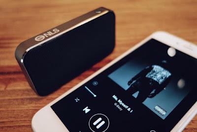Mengatasi suara speaker smartphone yang pecah dan sember