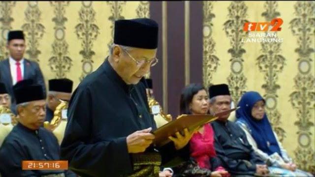 Video Pelantikan Tun Mahathir Perdana Menteri Ke 7
