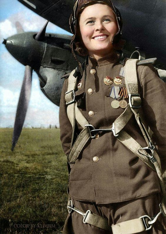 Soviet air force María Dolina Color photo World war II worldwartwo.filminspector.com