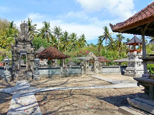 фото острова Нуса Пенида . Индонезия