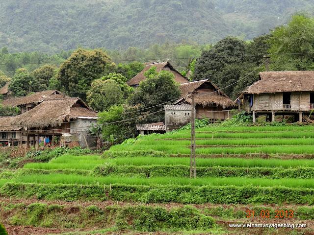 Travel to Hoa Binh, Giang Mo Village