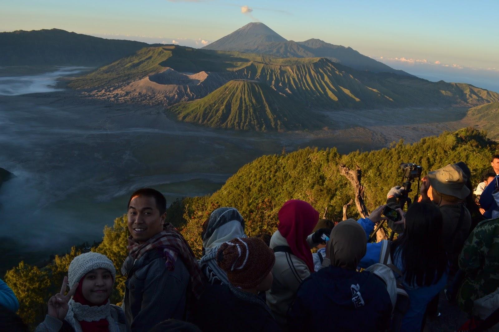 Sunrise Bukit Penanjakan Voluntourism Bromo Book for Mountain