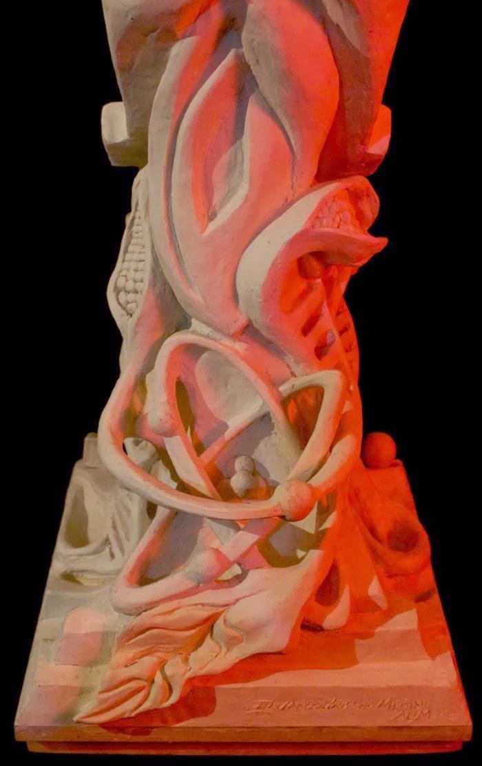 Скульптура человека-кукурузы. Eduardo Urbano Merino 9