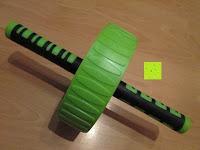 Erfahrungsbericht: AB-Roller / Bauchtrainer / Bauch Roller »TheBodyWheel« / Ideal für Schulter-, Rücken- und Bauchmuskeltraining / zerlegbar, Farbe grün
