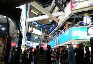 Tempat HP Murah Di Surabaya yang paling ramai di kunjungi pembeli tahun 2018 beserta alamat.