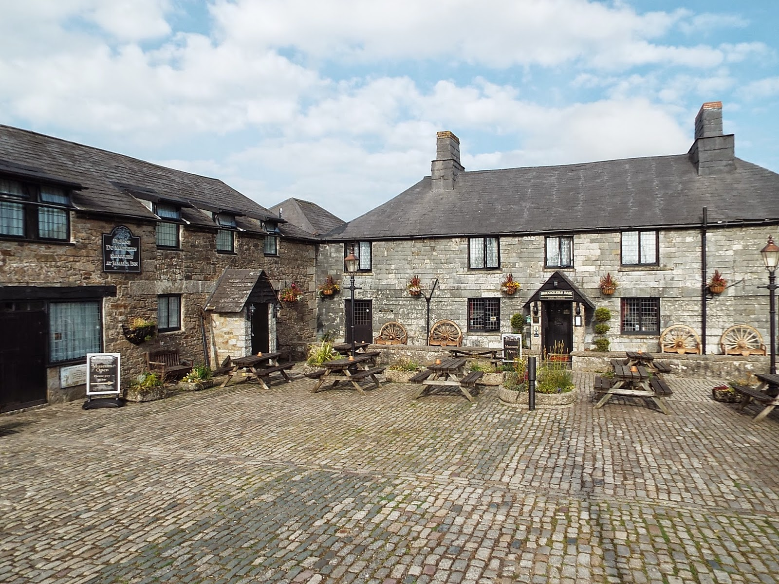 LIFE: A Weekend at the Jamaica Inn, Cornwall | Fizzy ...