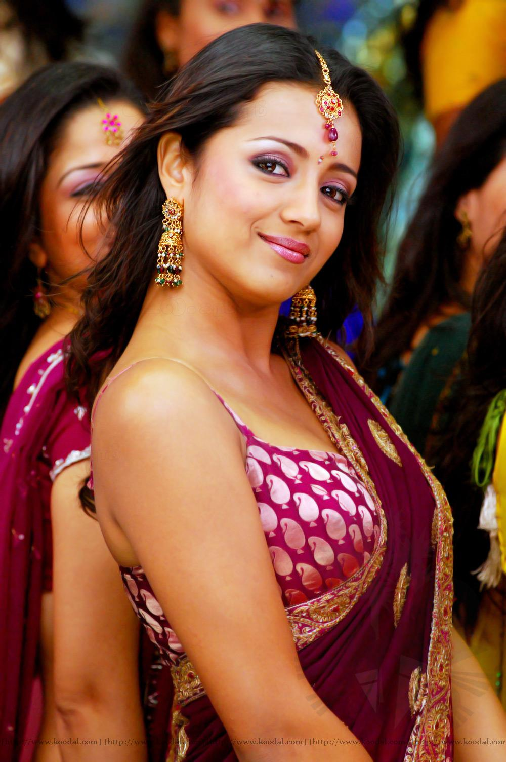 Telugu XXX Bommalu Pictures: trisha_latest_sexy_photoslove