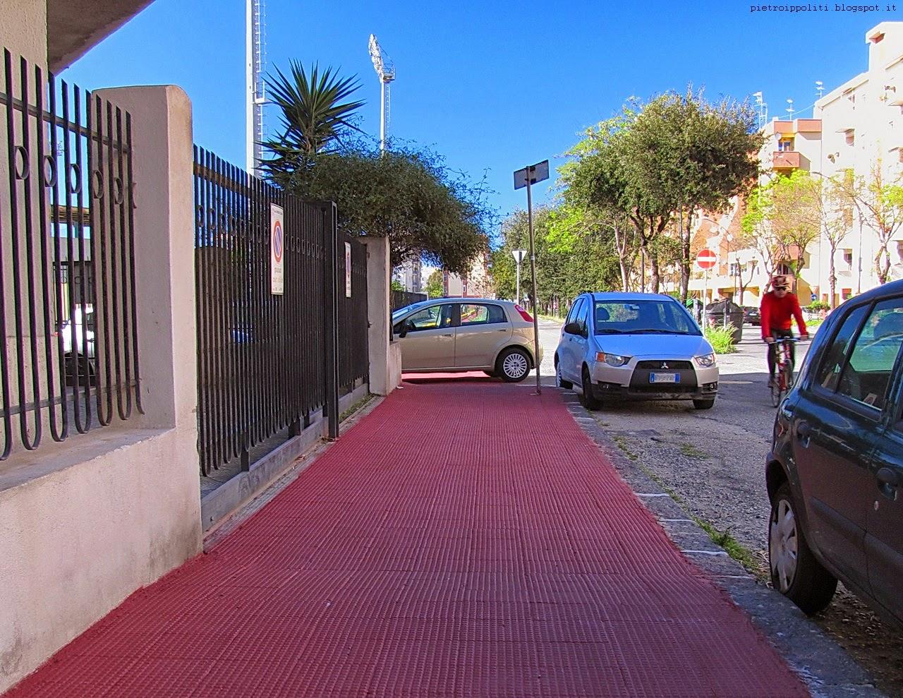 Viale Calabria incrocio con Traversa IX Viale Aldo Moro