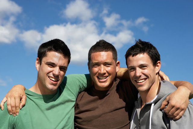 كيف تختار الصديق المناسب والمثالي