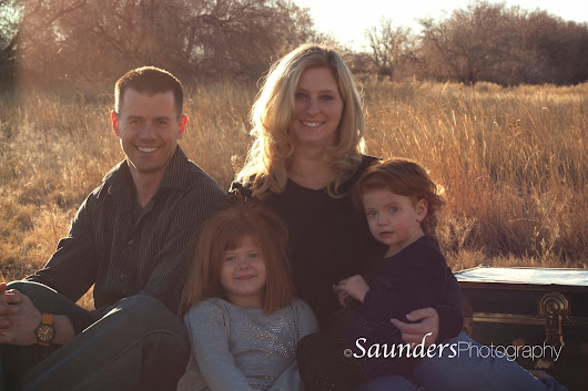 Saunders Photography- Family New Years Eve Photo Shoot