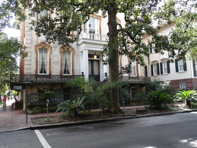 Savannah Georgia - House next to Park