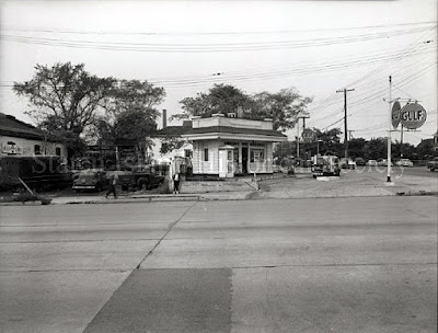 Silvestri's service station 1956. Remember Russo's auto repair in the building to the left. That's Richmond Ave... Forest Ave and The Orchard Inn was to the right.