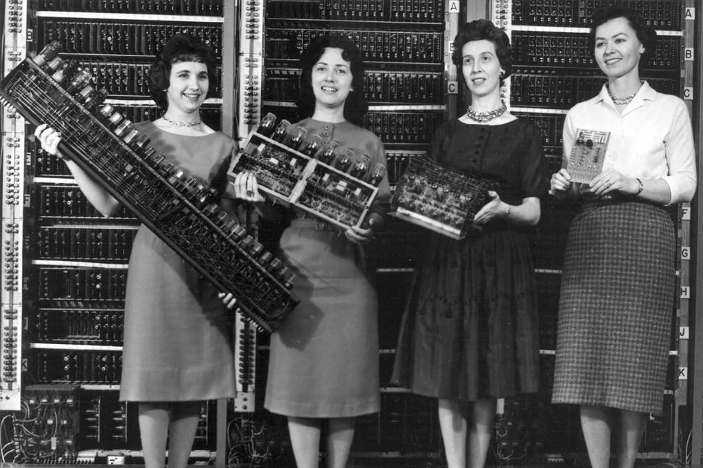 """Resultado de imagem para """"As garotas do ENIAC"""""""