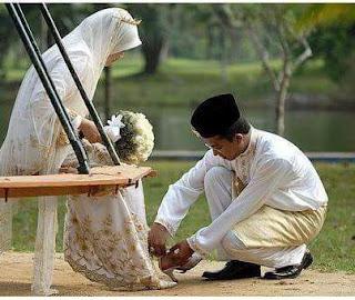 Tips Bagi Suami Istri Agar Memiliki Keluarga Yang Bahagia