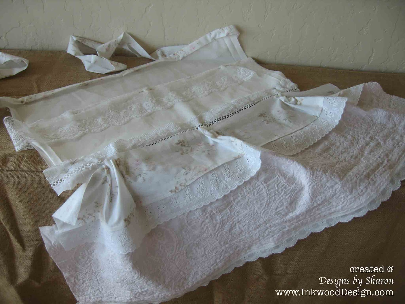 White apron lace trim - So I Will Start At The Bottom Of The Apron And Work My Way To The Top I Machine Stitched This Beautiful White Cotton Trim With Bows And Scallops Onto A