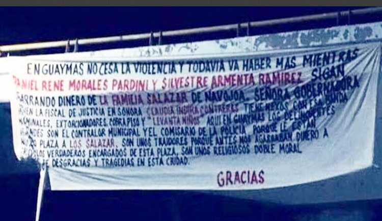 """""""Tienen nexos con criminales extorsionadores, cobra piso y levanta niños"""", Aparecen Narcomantas contra Los Salazar en Guaymas."""