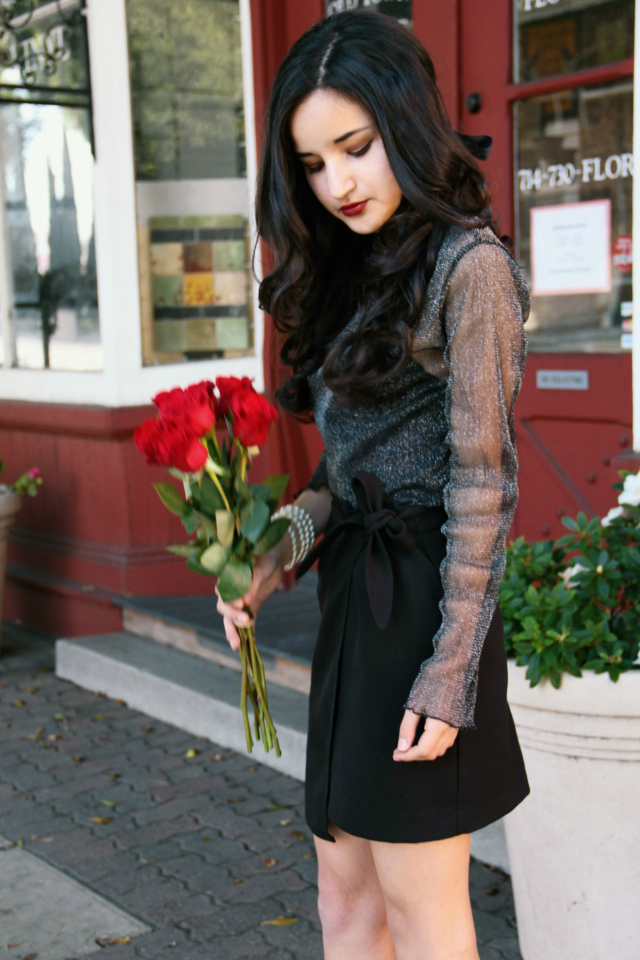 brandy melville rene glitter top black outfit bow skirt roses