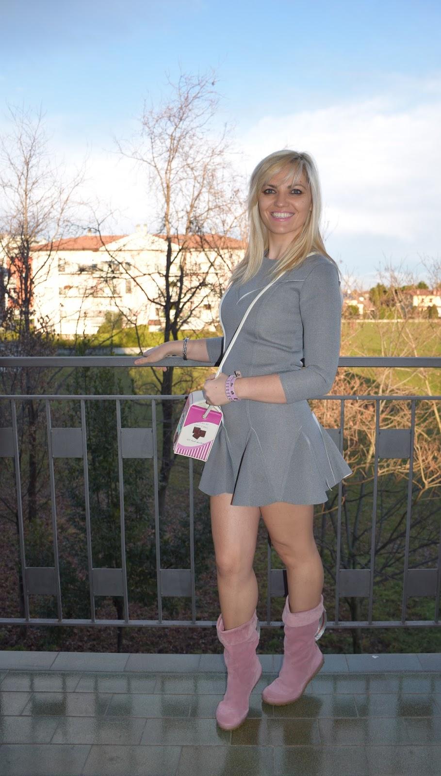 abito grigio come abbinare il grigio abbinamenti grigio outfit invernale grigio outfit gennaio 2017 mariafelicia magno fashion blogger colorblock by felym fashion blogger italiane blogger italiane di moda