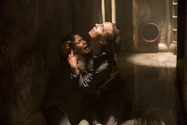Frank Dillane as Nick Clark, Danay Garcia as Luciana - Fear the Walking Dead _ Season 3