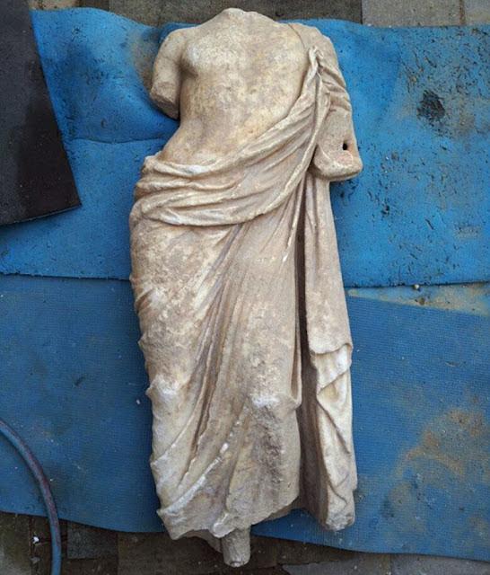 Ελληνιστικό μαρμάρινο άγαλμα βρέθηκε στο Μυρμήκιον της Κριμαίας