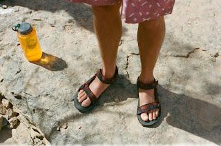 Model Sandal Teva pria kekinian