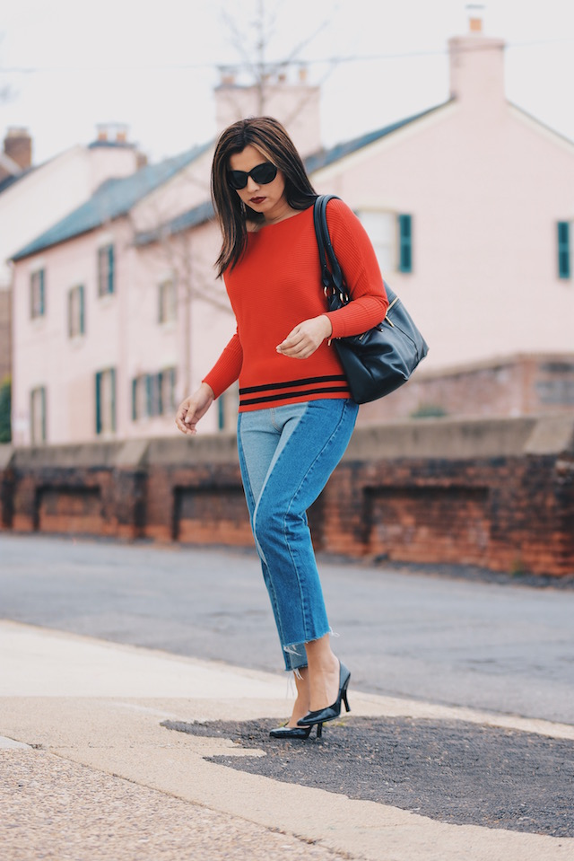 Celebrating 3 years with my blog Wearing:  Jeans: SheIn Sweater: LightInTheBox