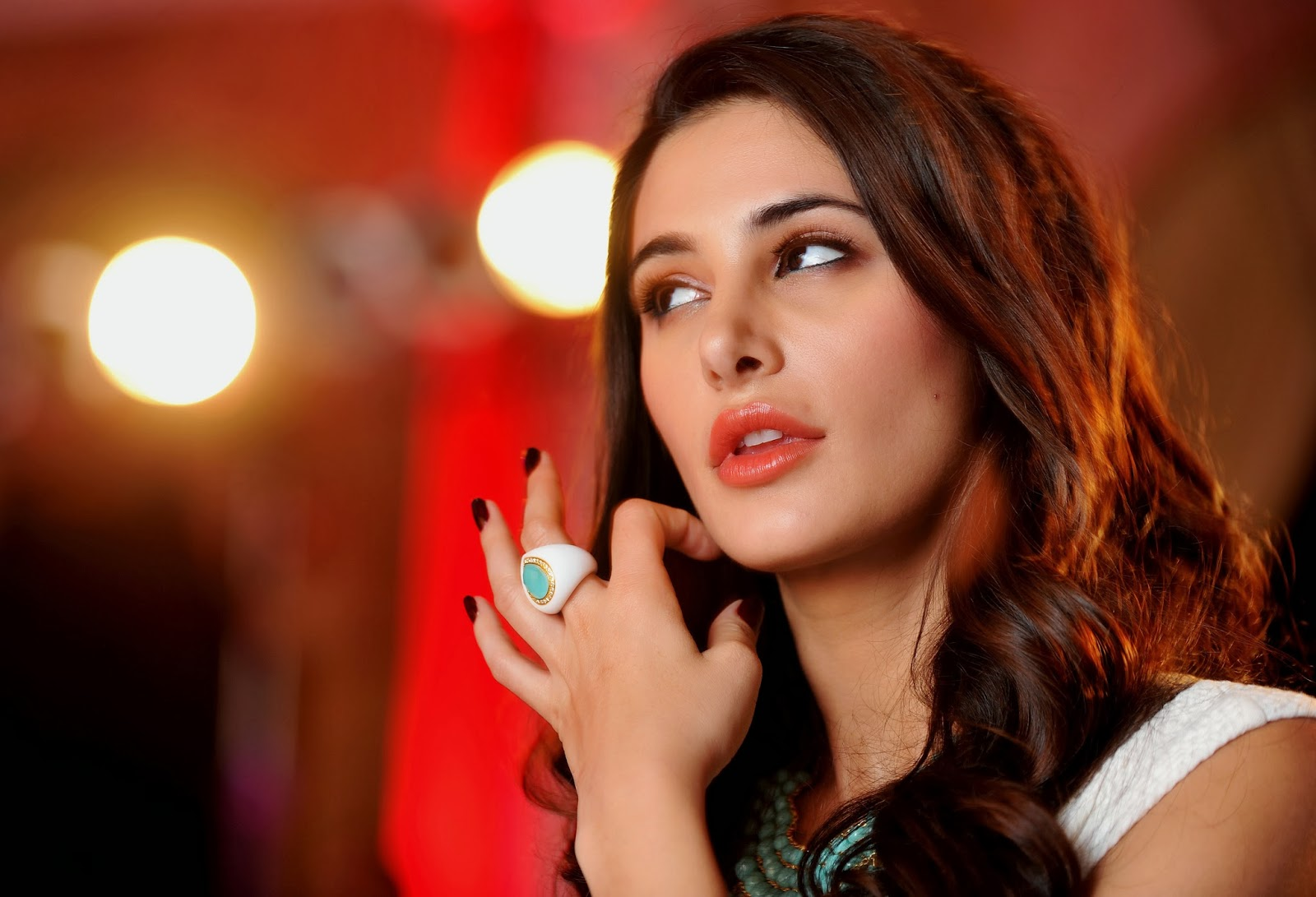 Fantastic HD Pictures of Nargis Fakhri | HD Wallpapers of Nargis Fakhri