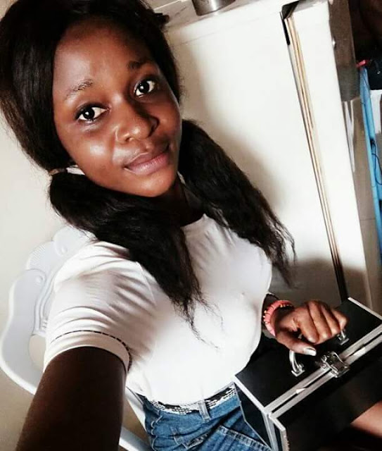 """Photos: """"I m too busy to impress haters and fake peoples""""- says female UNICAL student as she shows off her money"""