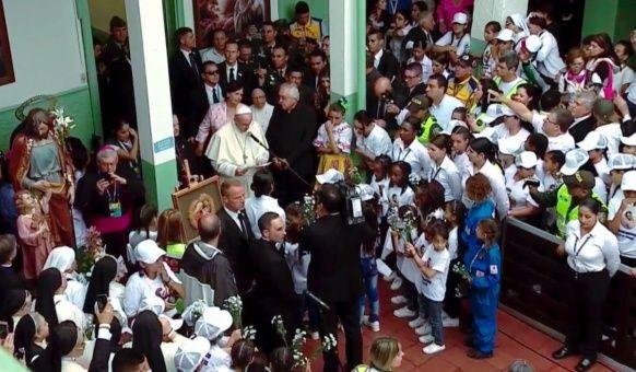 Papa Francisco recuerda el sufrimiento de los niños en el mundo