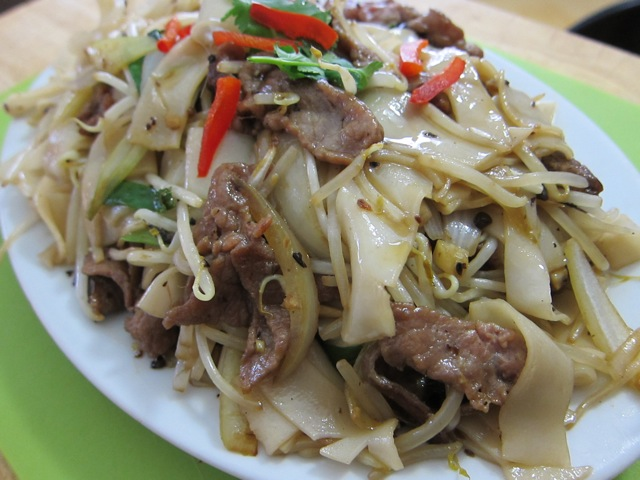 Traditional Chinese Recipes: Beef Chow Fun